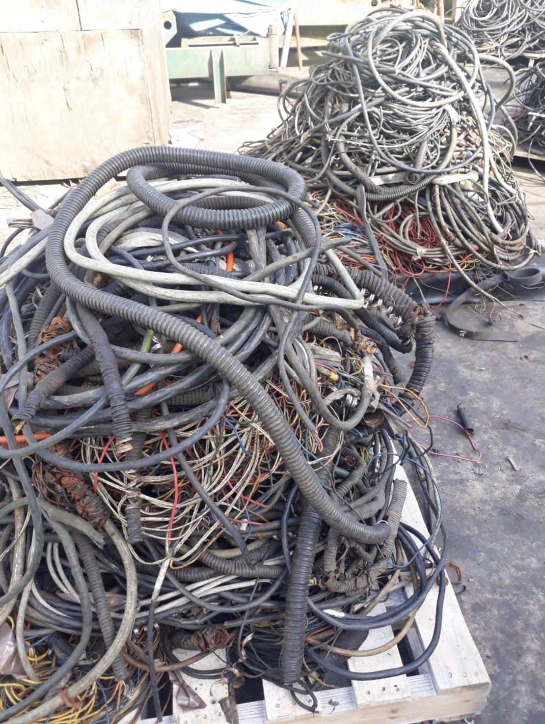 Thu mua phế liệu dây điện giá cao