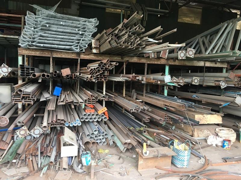 Bán sắt hộp cũ giá cao Trang Minh